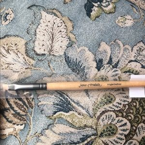 Jane Iredale Angle Definer Brush